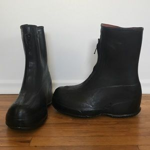 Vintage 1980s authentic Canadian combat overboots